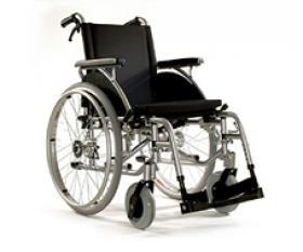 fauteuil roulant manuel ,pliant,dossier fixe.